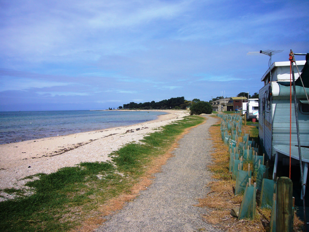 Indented_Head_beach_yacht_club_in_background