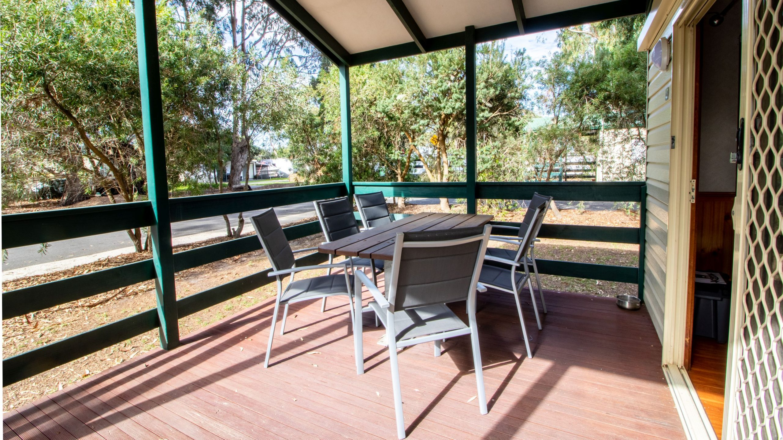 Deluxe Cabin covered deck