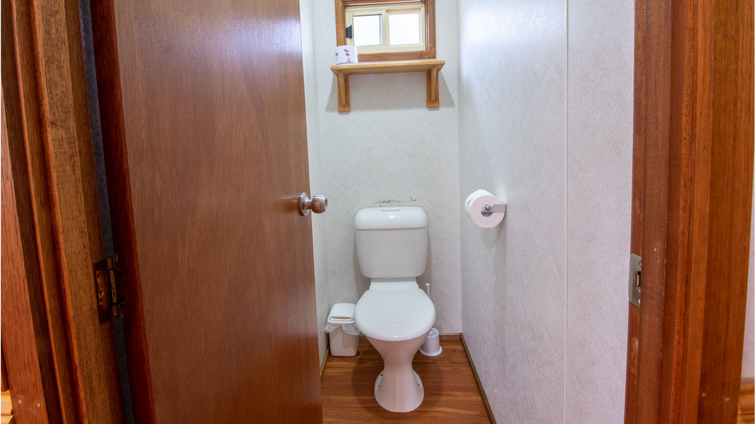 Deluxe Cabin toilet