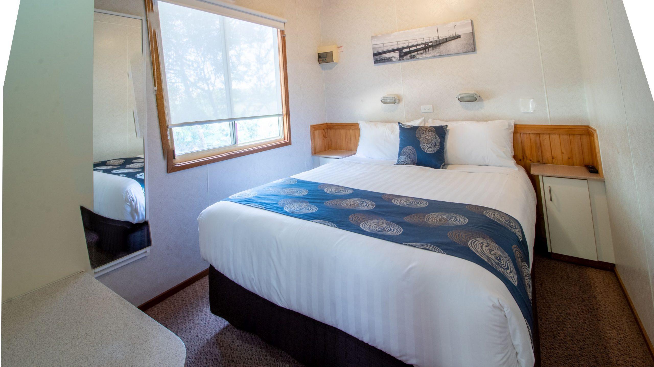 Deluxe Cabin master bedroom