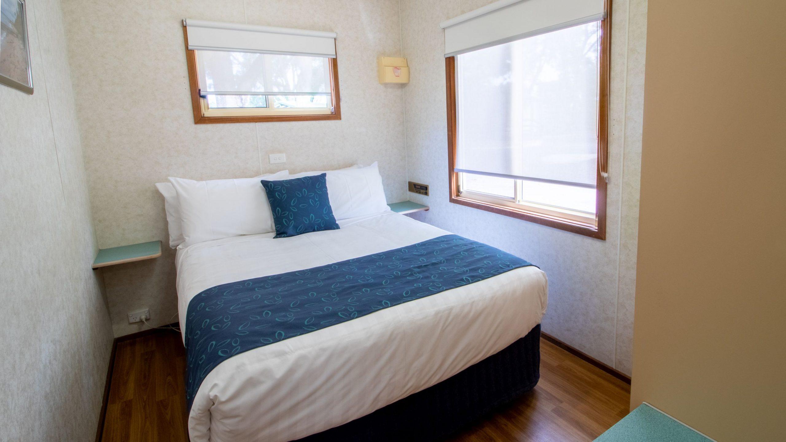 Park Cabin master bedroom