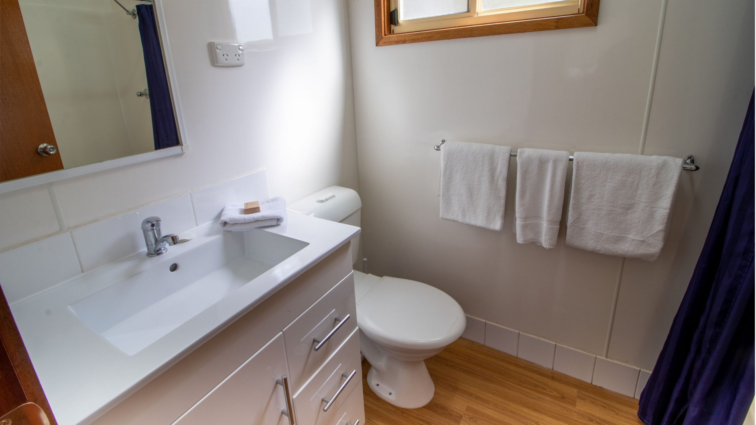 Park cabin bathroom